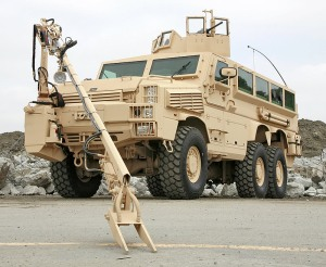 MRAP LAND_RG-33L_and_Arm_lg